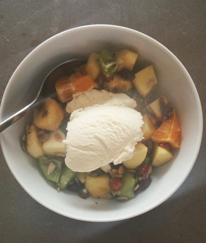 Fruktsallad med vanljglass